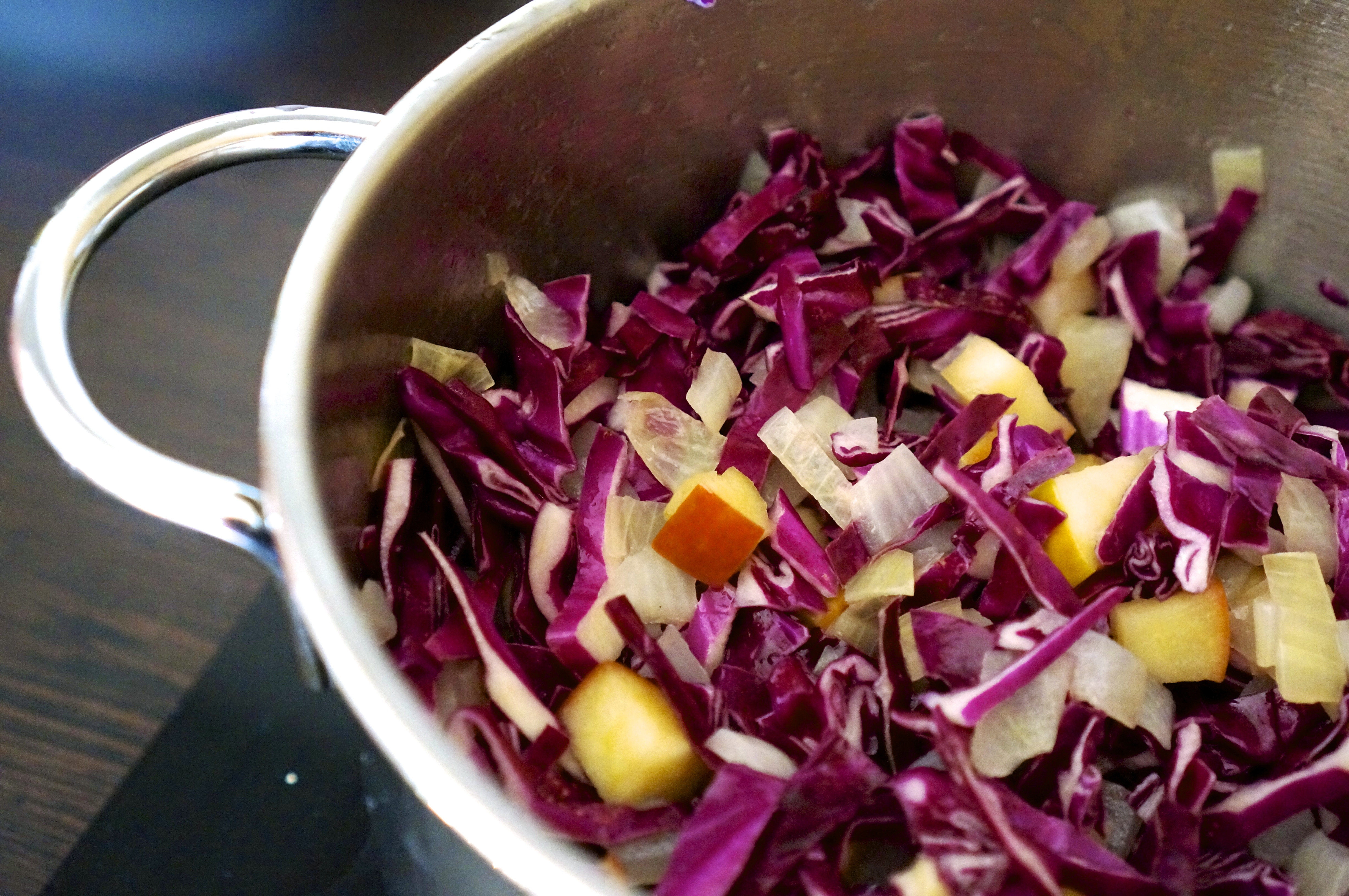 Stewed Red Cabbage with Apples and Potatoes